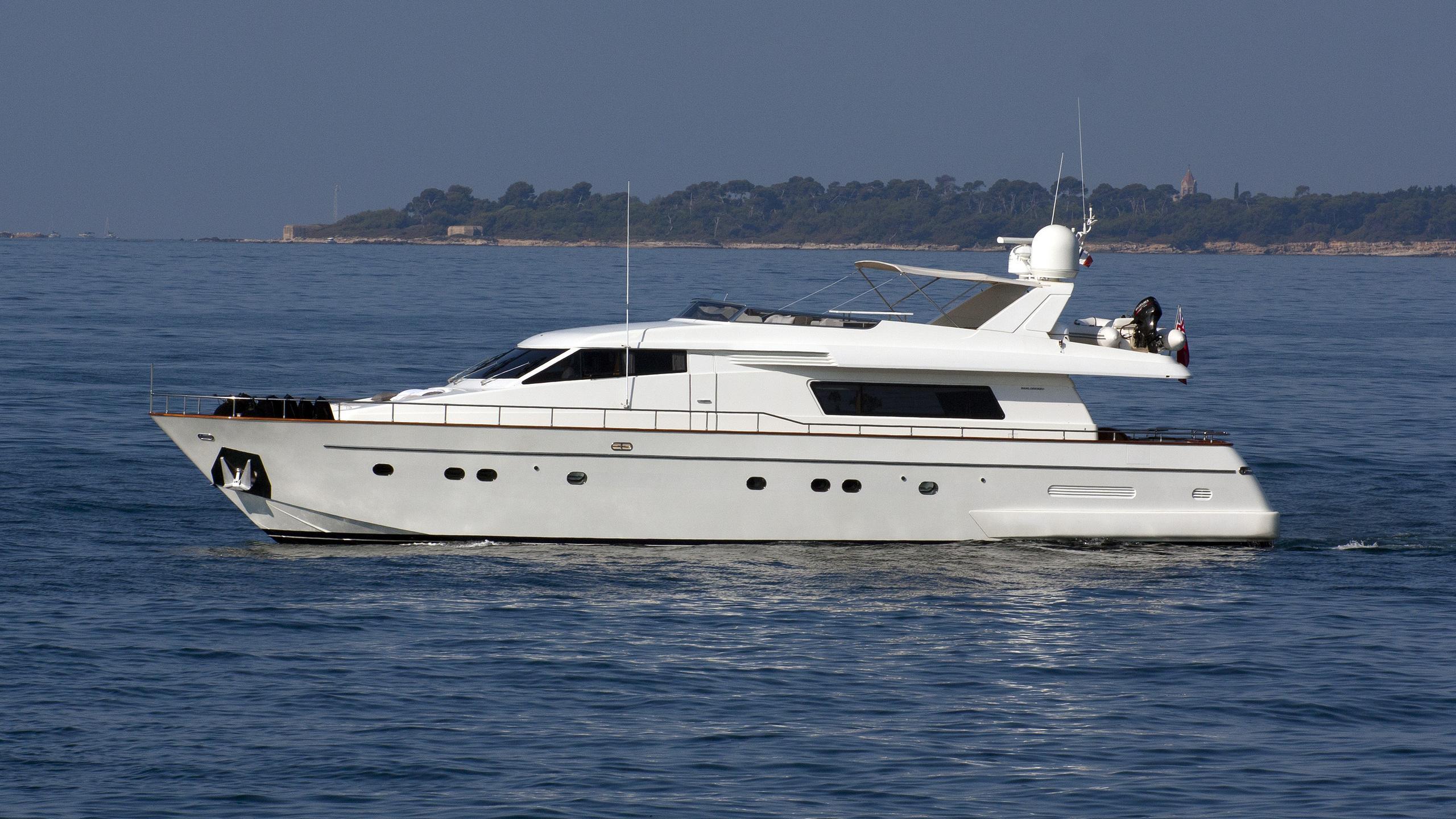 solal-yacht-exterior