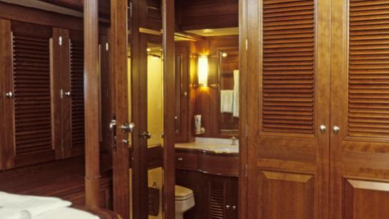 foftein-ii-yacht-twin-cabin