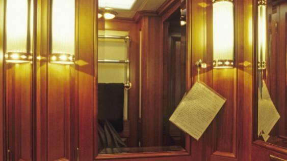 foftein-ii-yacht-bathroom
