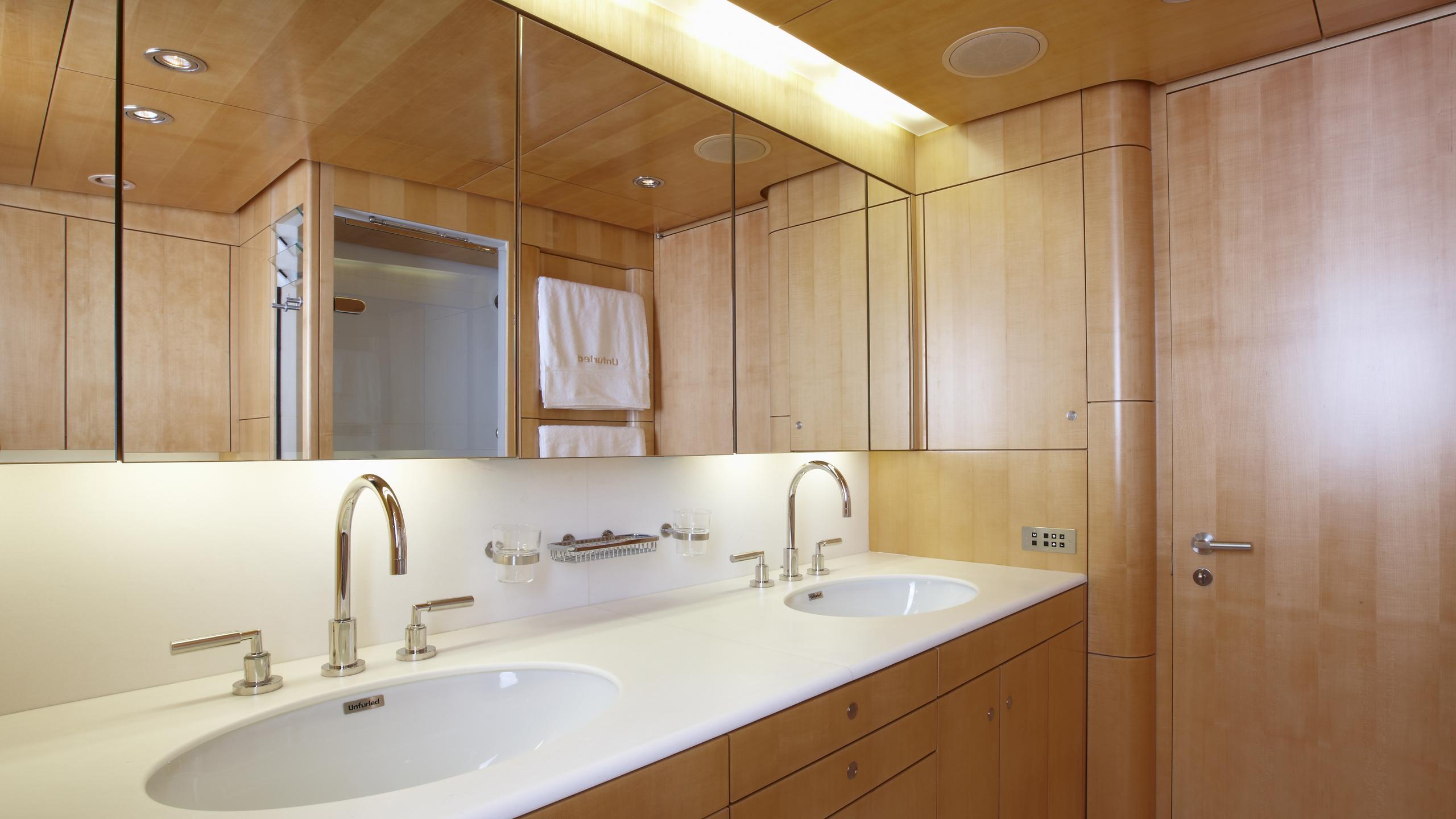 unfurled-yacht-master-bathroom