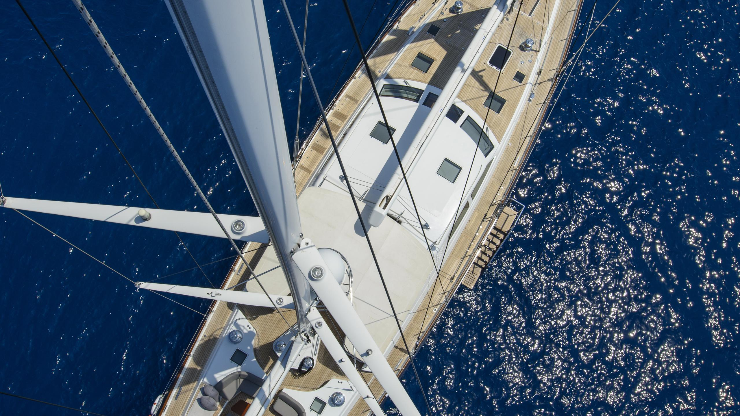 antares-yacht-aerial