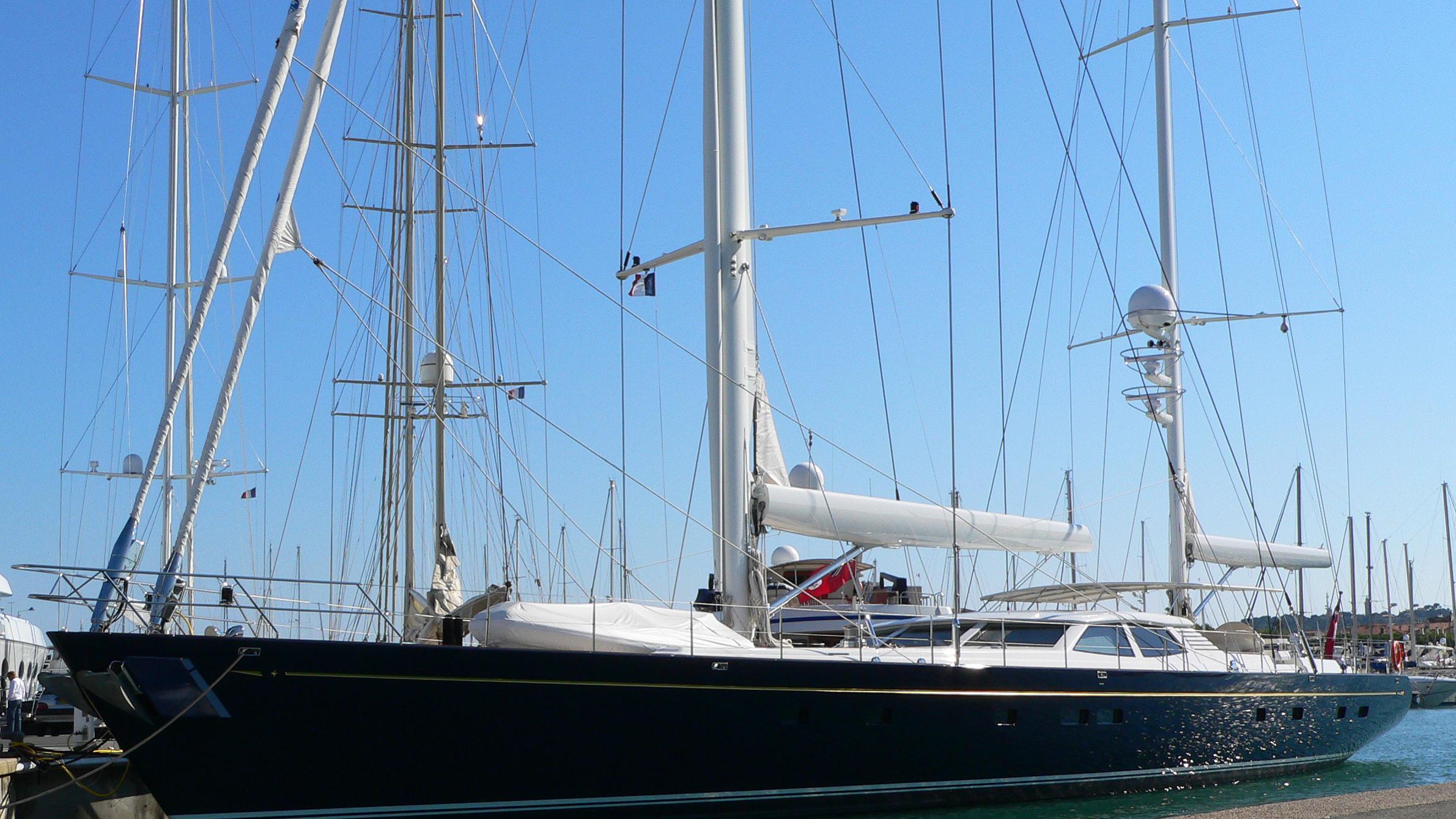 antares-yacht-exterior