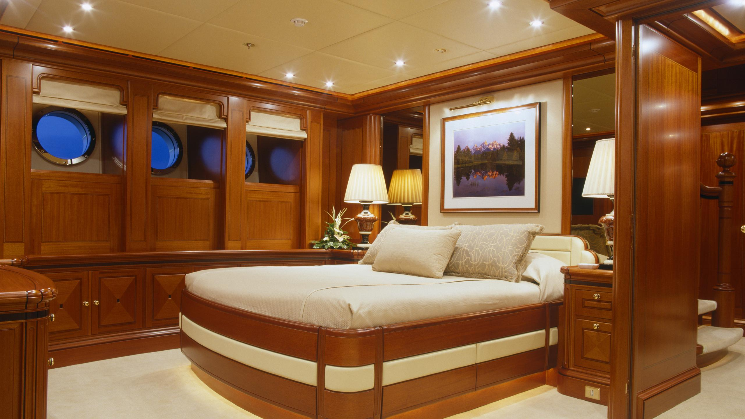 athena-yacht-double-cabin