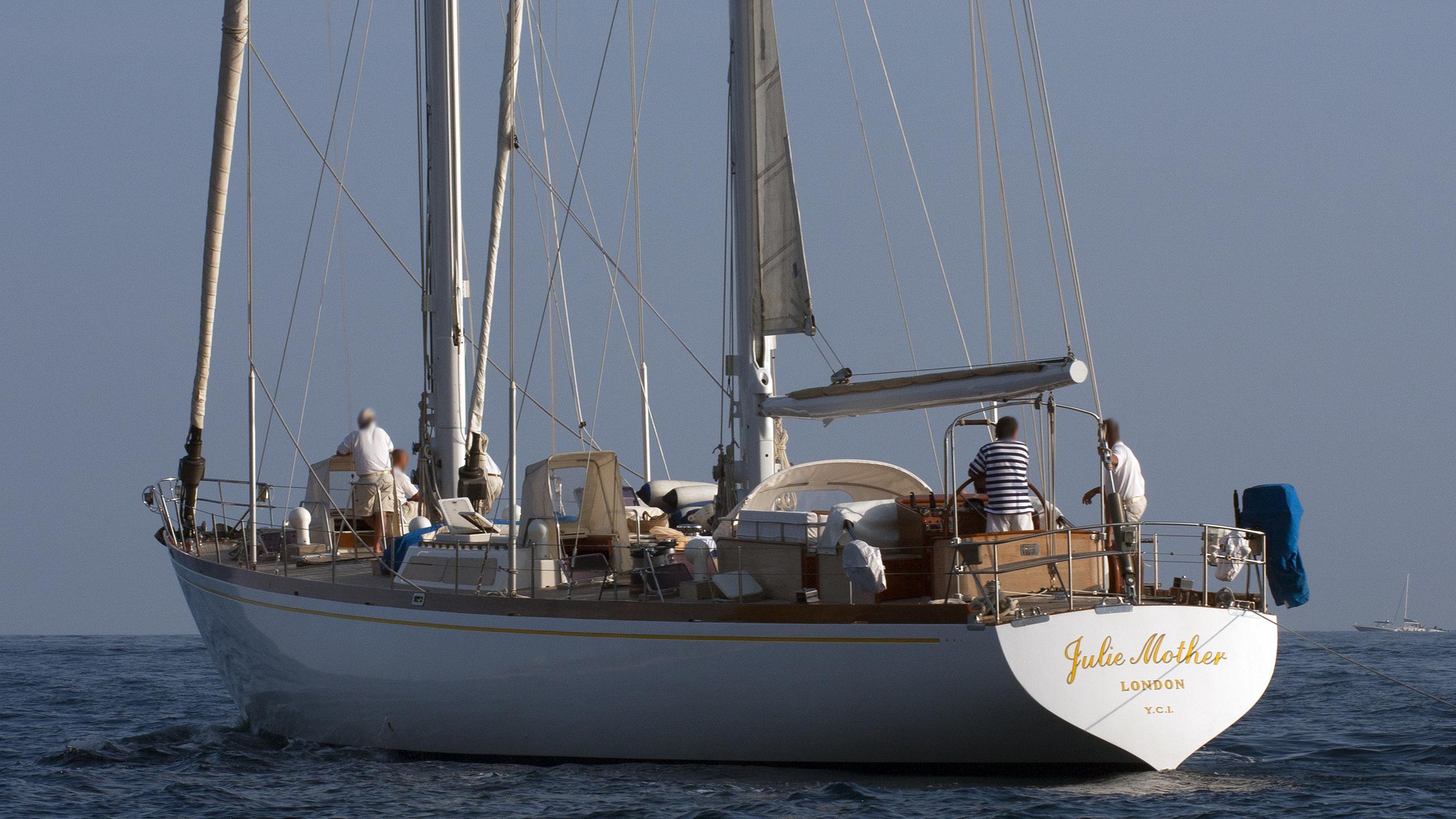 julie-mother-yacht-exterior