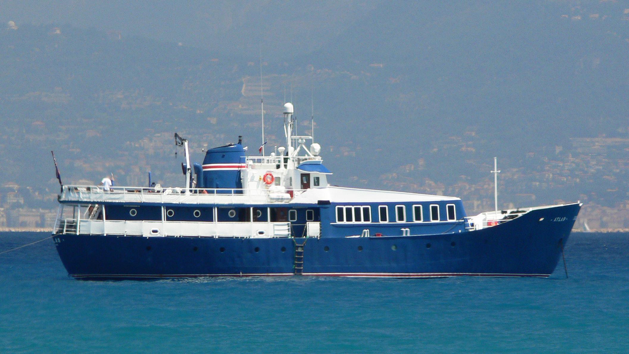 silver-star-yacht-exterior