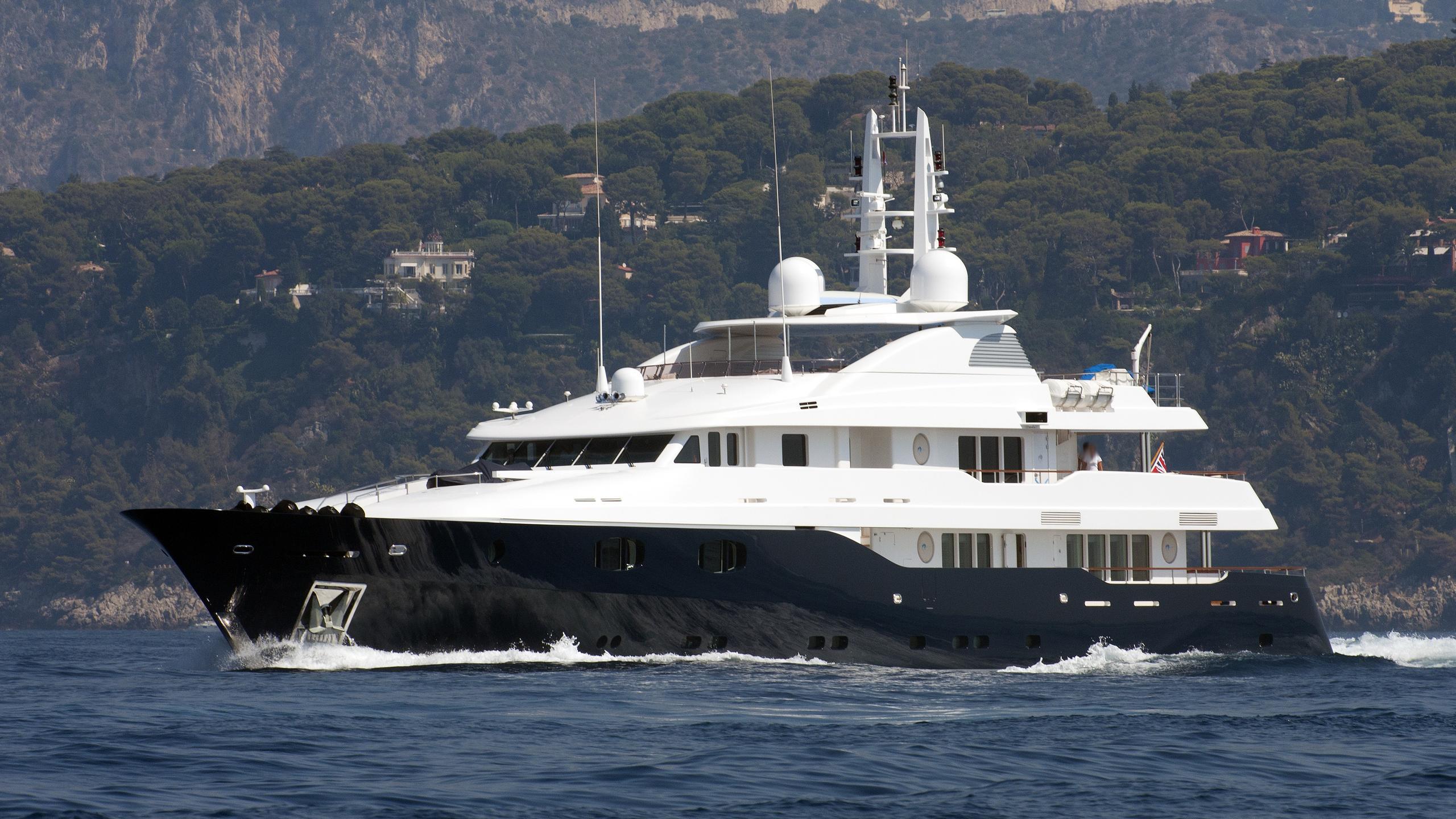 odessa-yacht-exterior