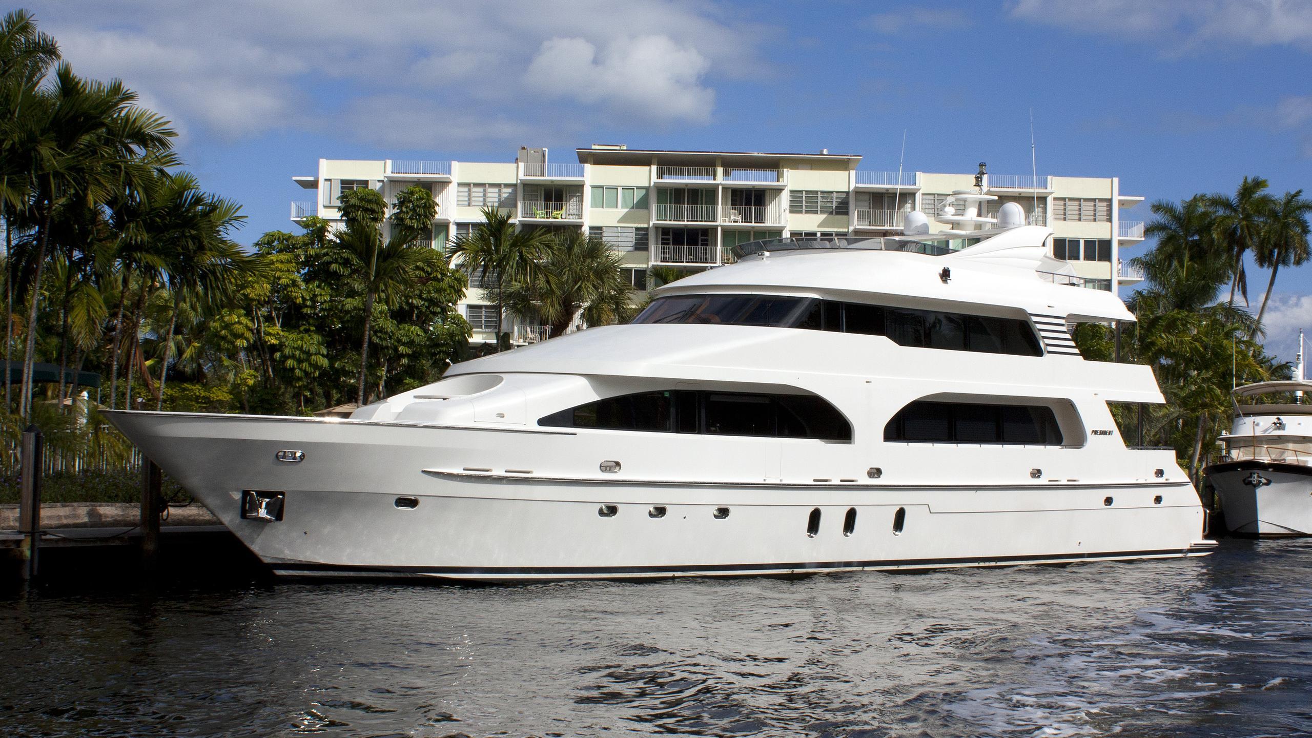 d-fence-yacht-exterior