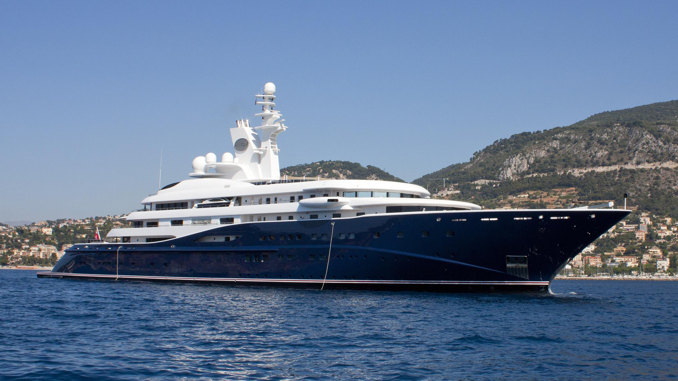 al-mirqab-yacht-exterior