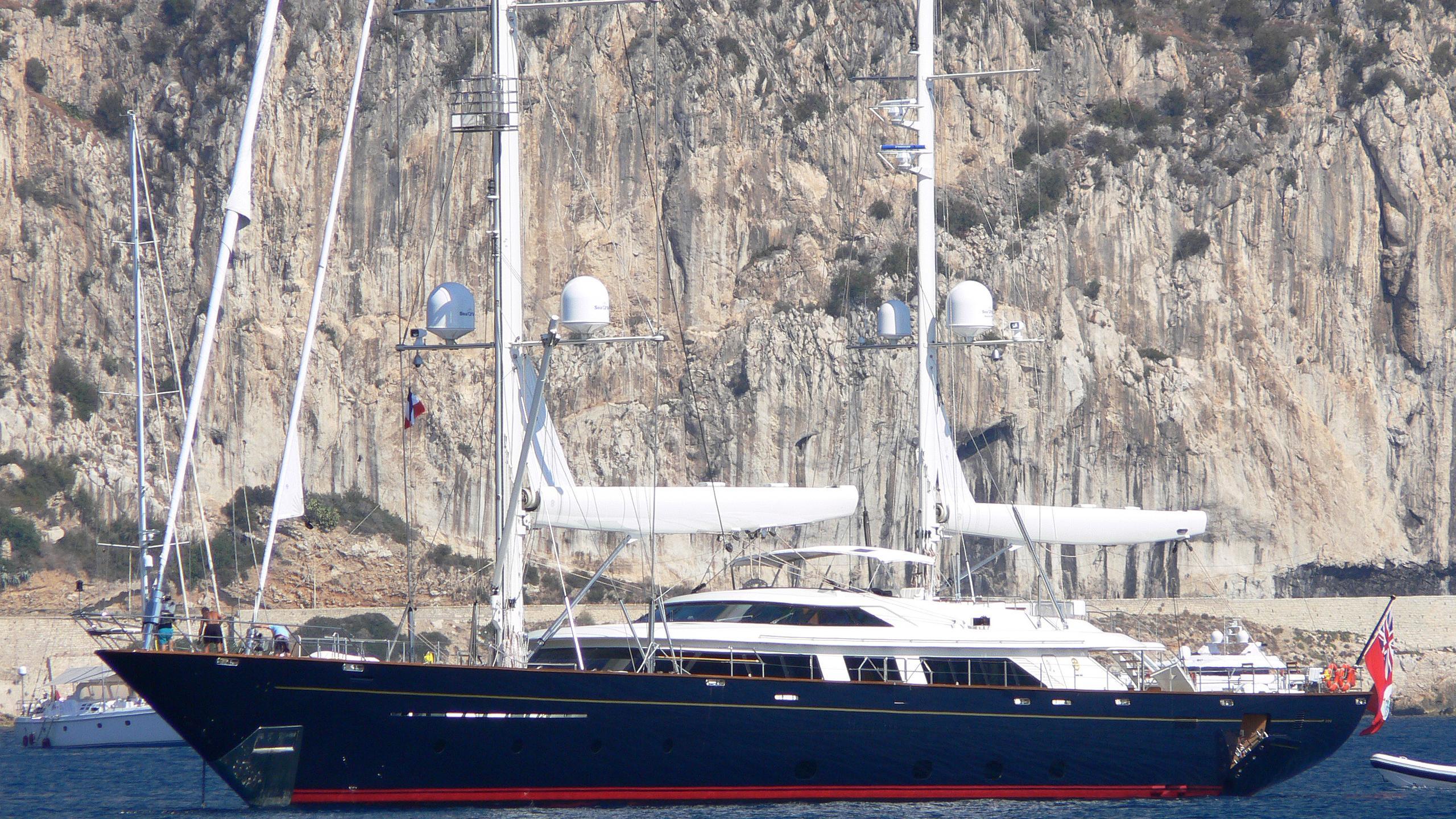 tamsen-yacht-exterior