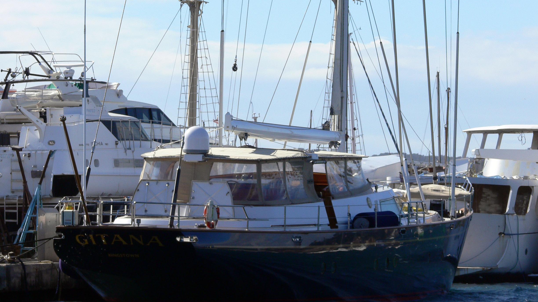 gitana-yacht-exterior