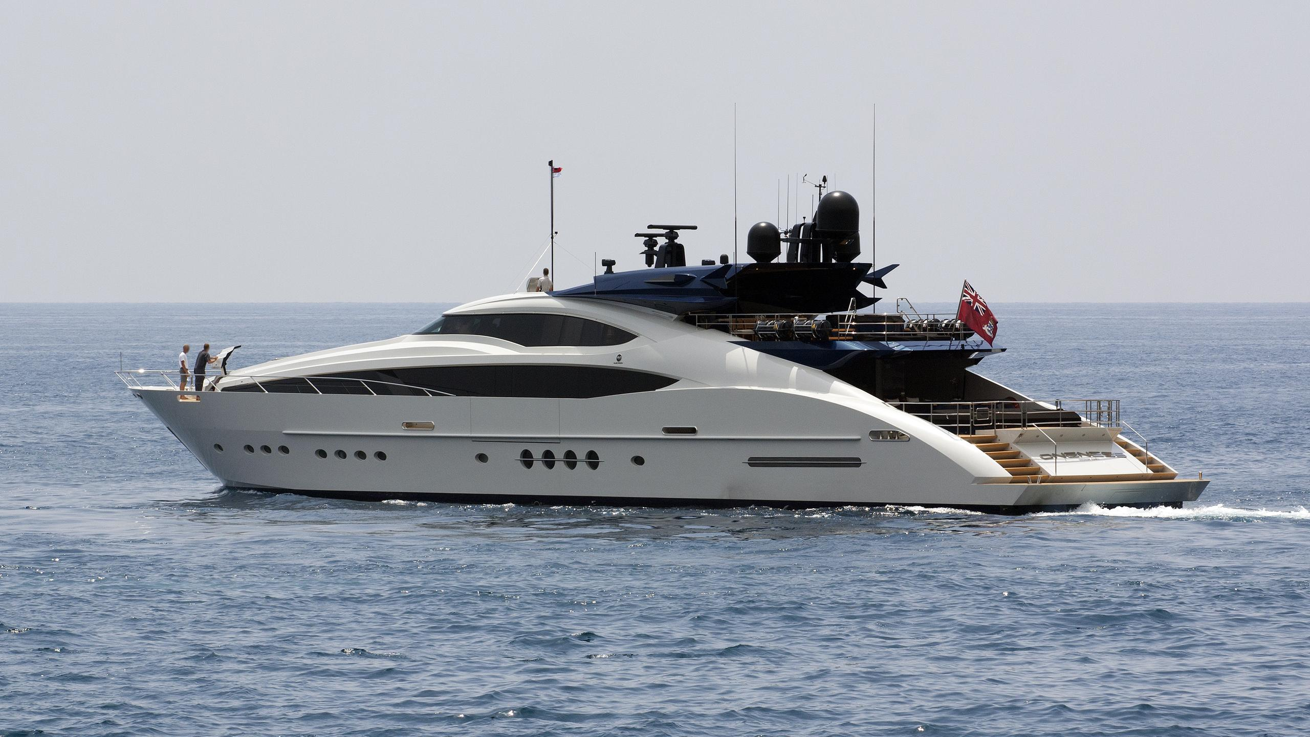 oneness-yacht-exterior