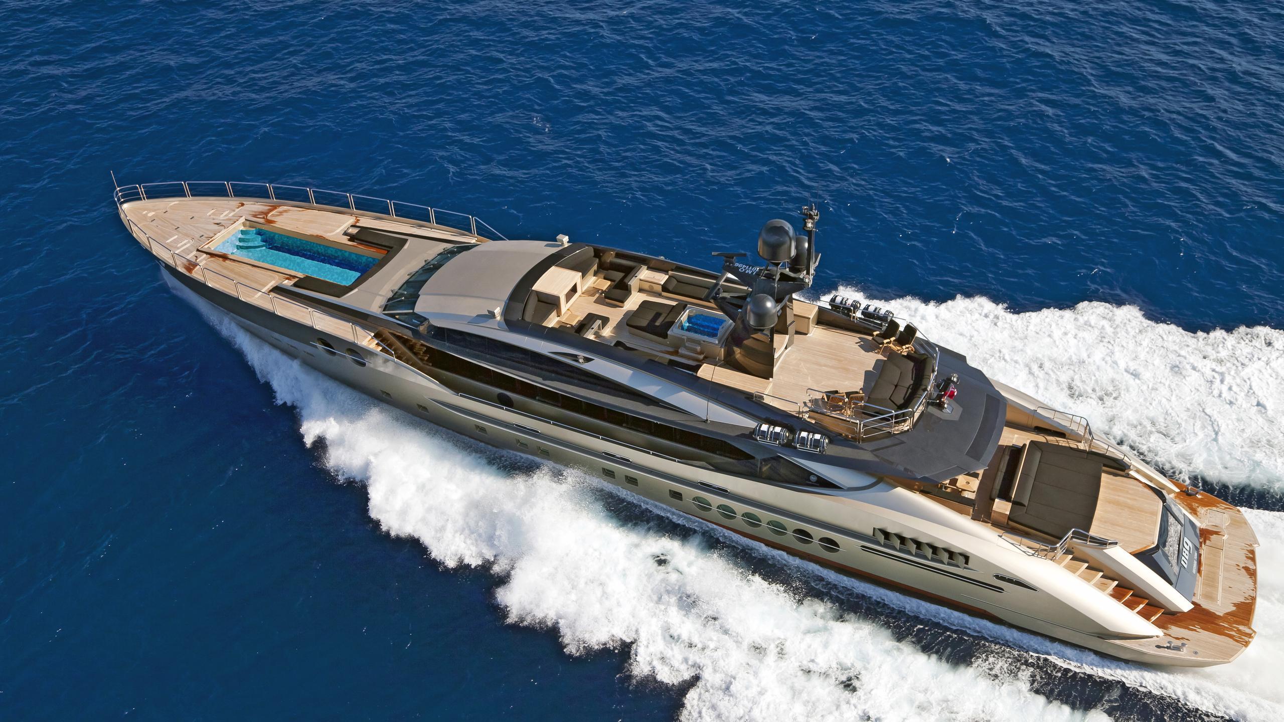 DB9-yacht-aerial