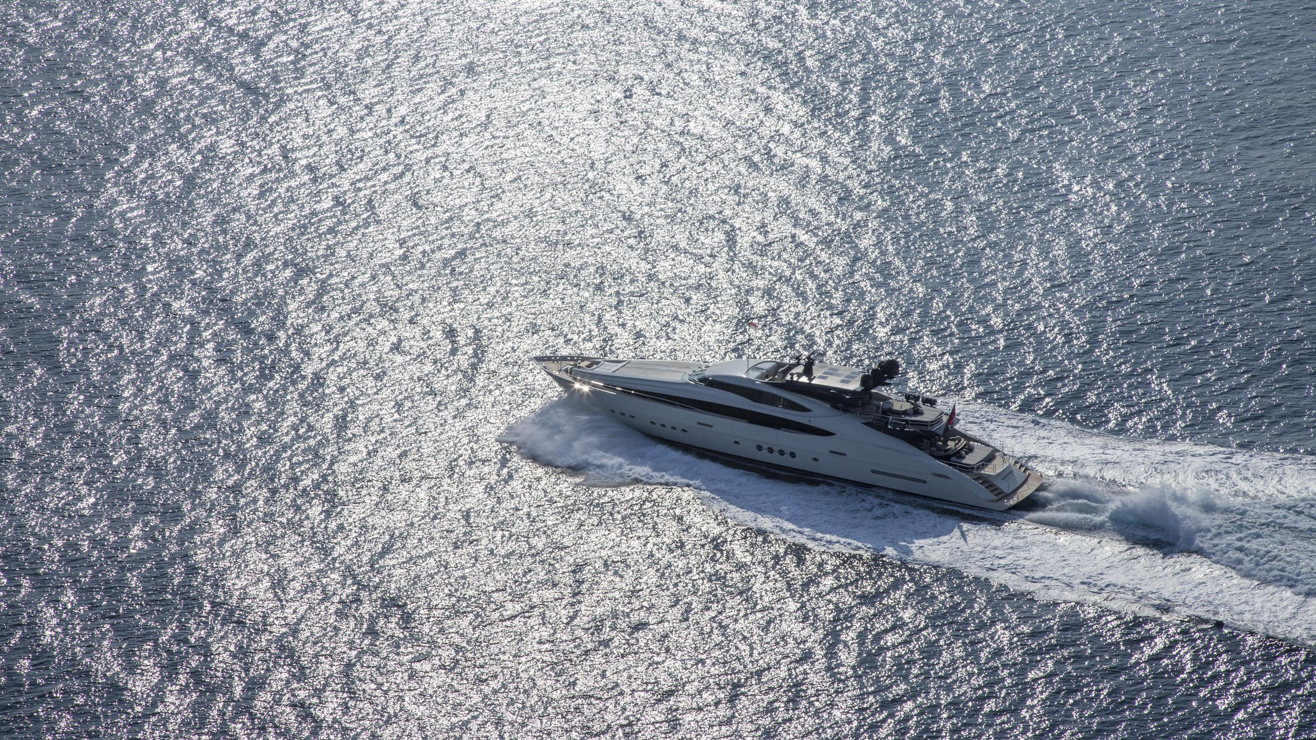 vantage-yacht-aerial