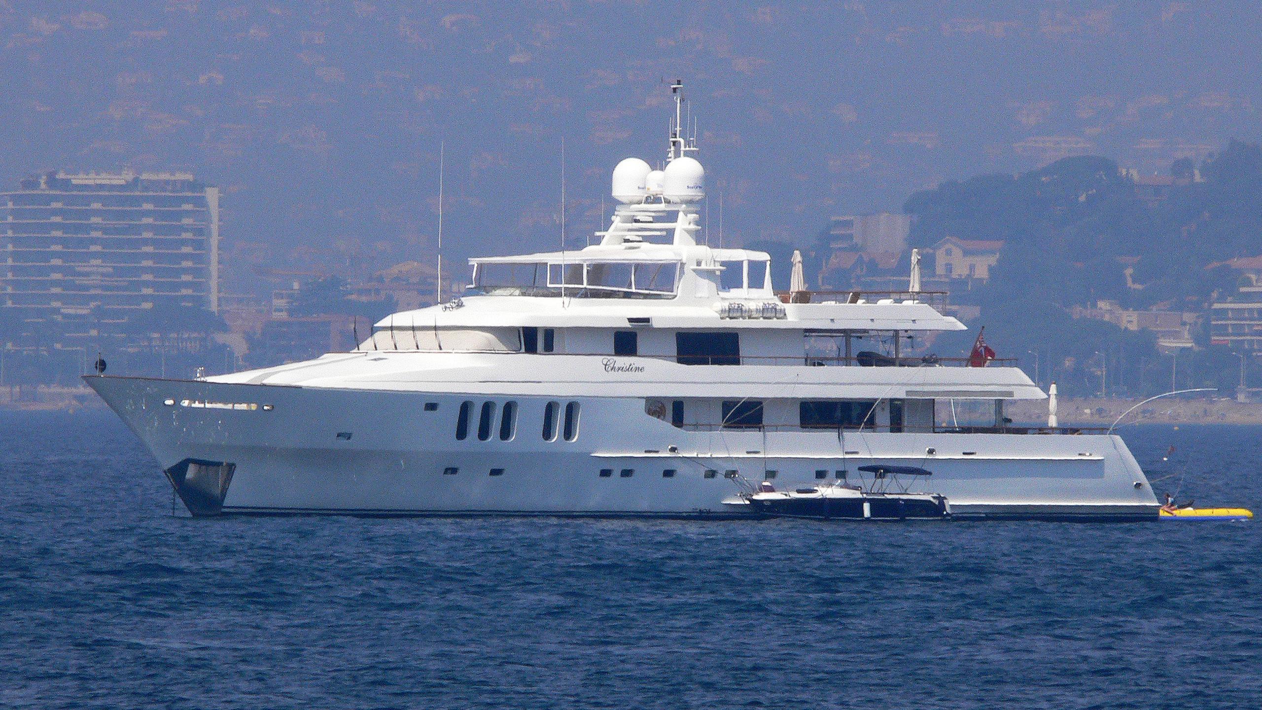 ilonka-yacht-exterior