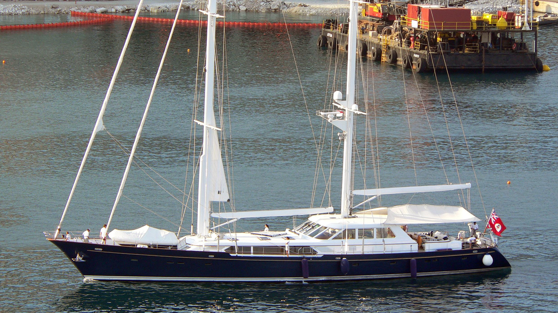 kaori-yacht-exterior