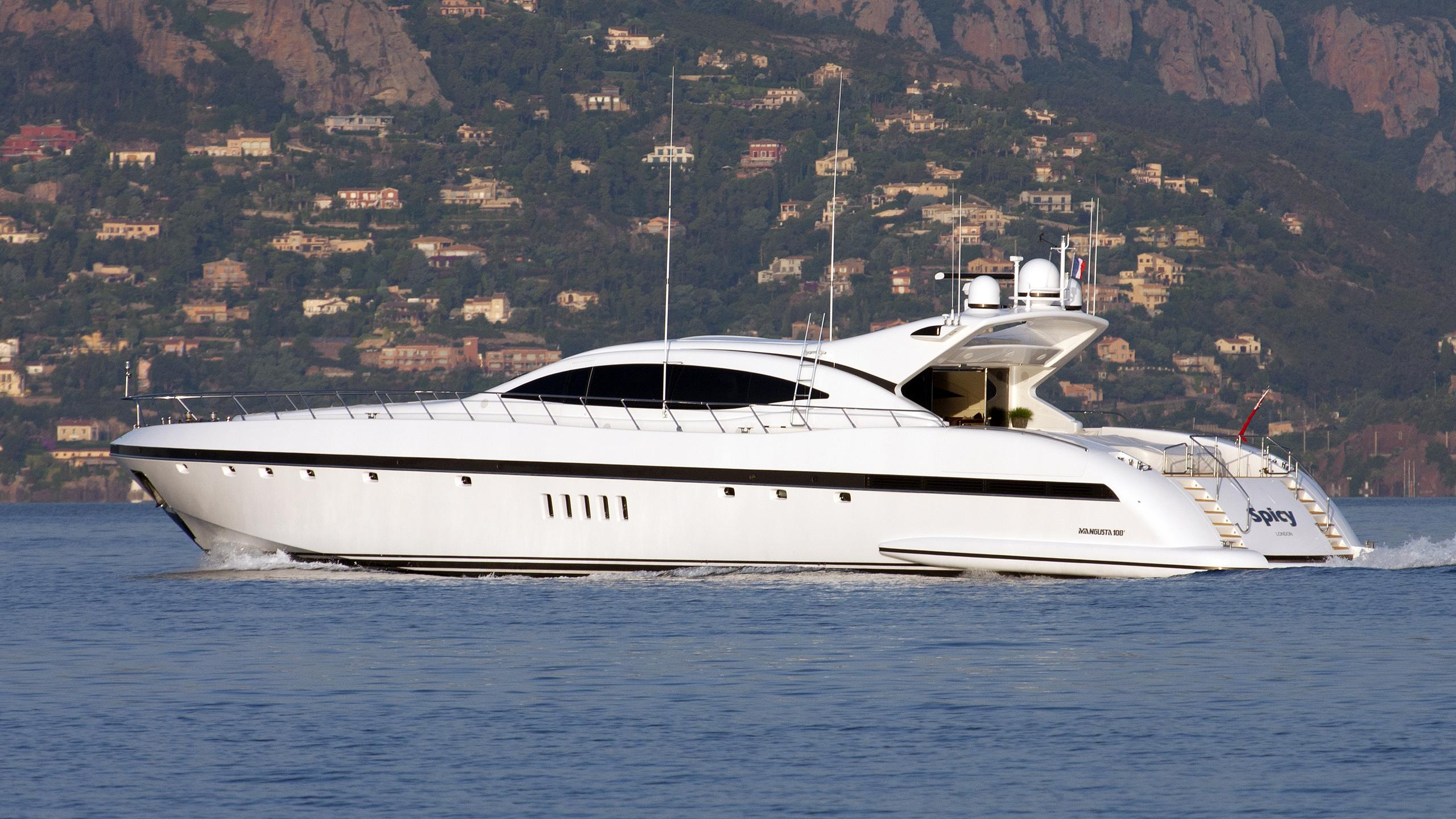 spicy-yacht-exterior