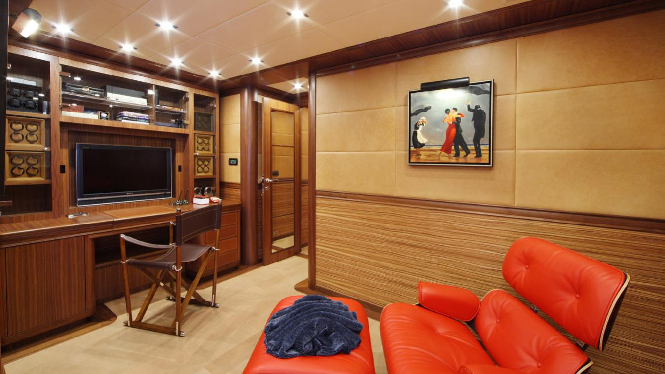 forever-one-yacht-office