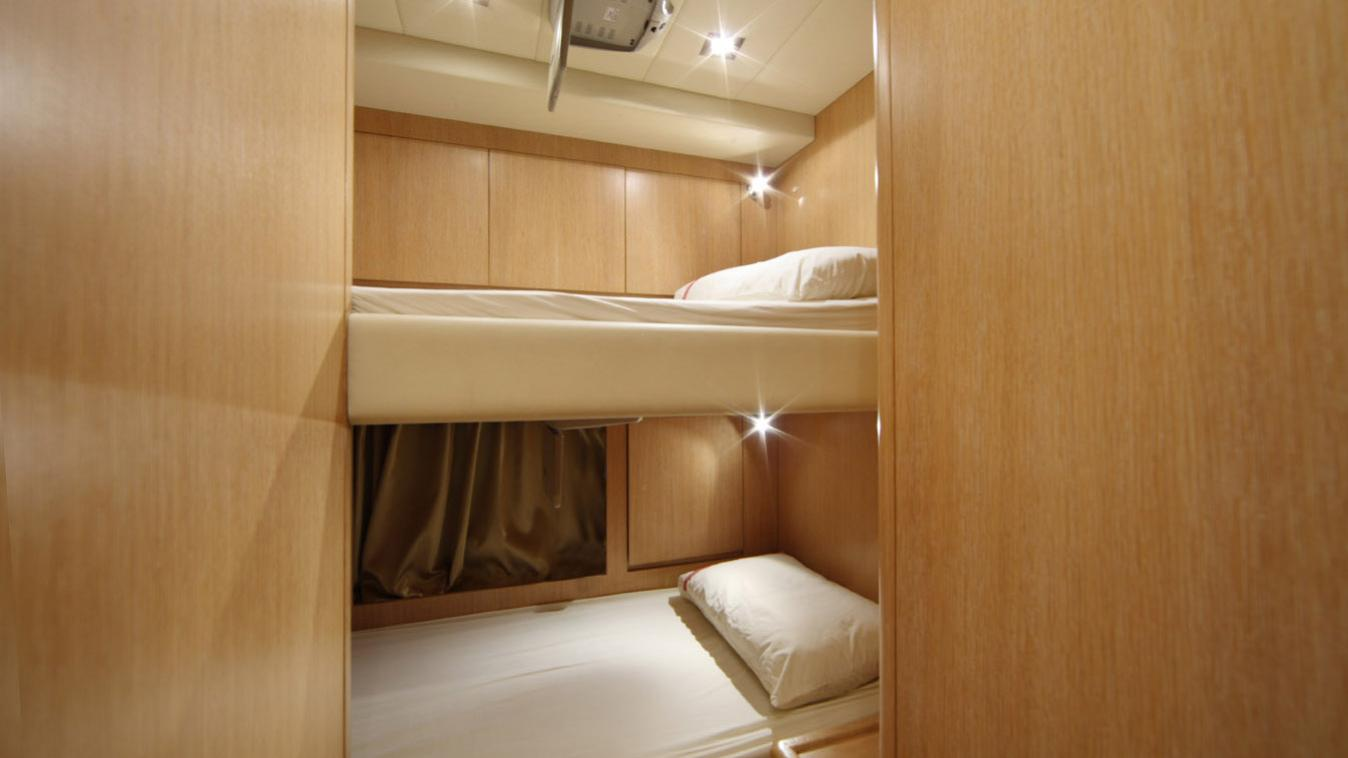 forever-one-yacht-crew-cabin