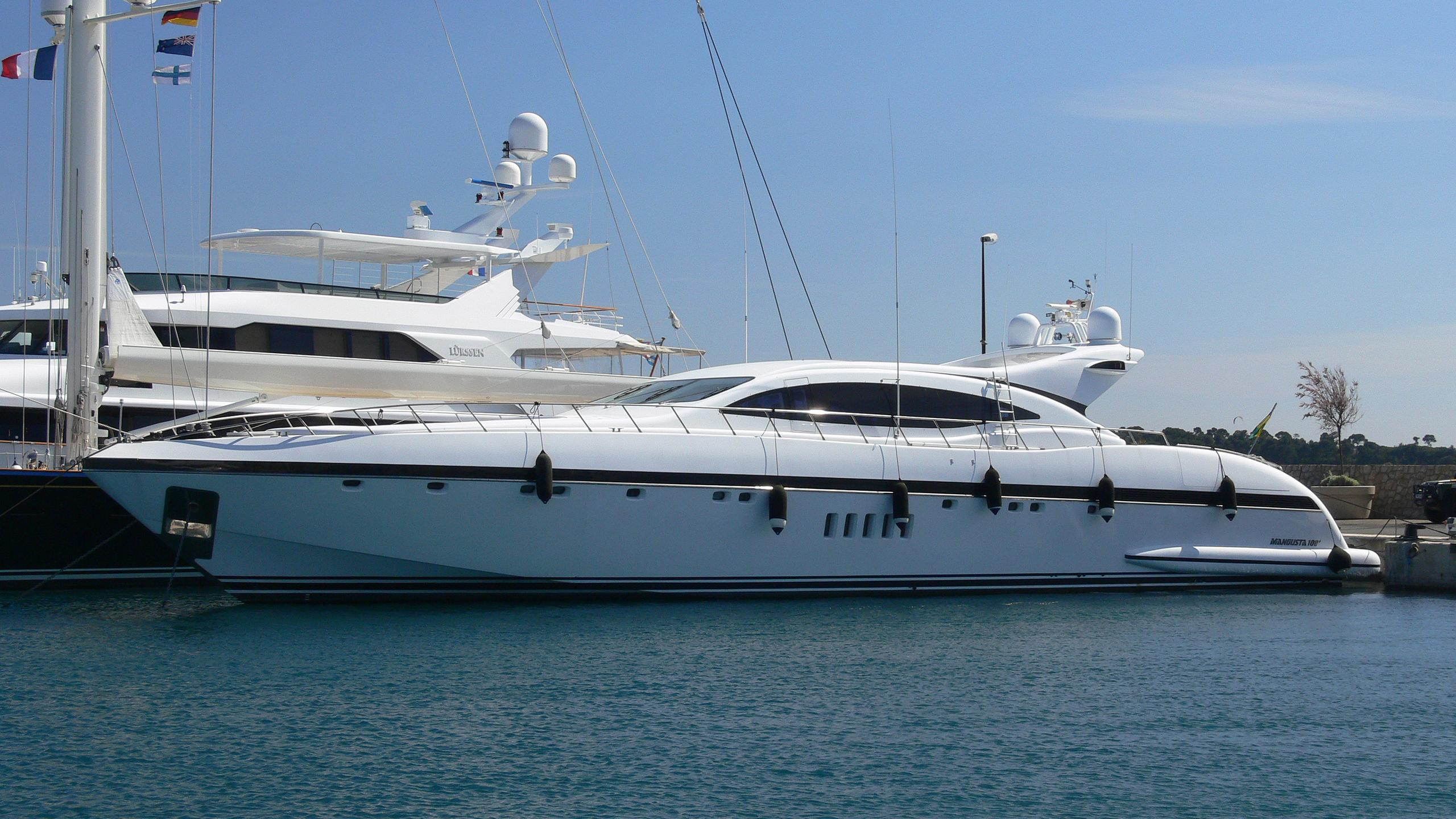 grazia-yacht-exterior