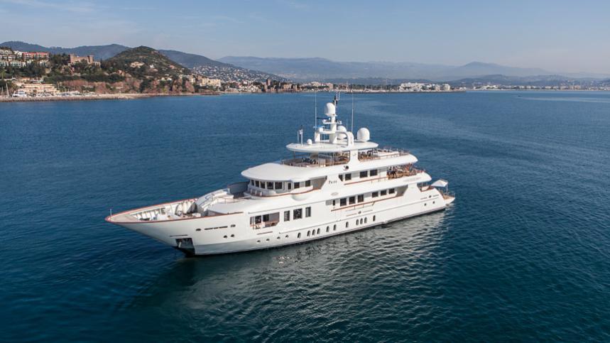 pride-yacht-profile