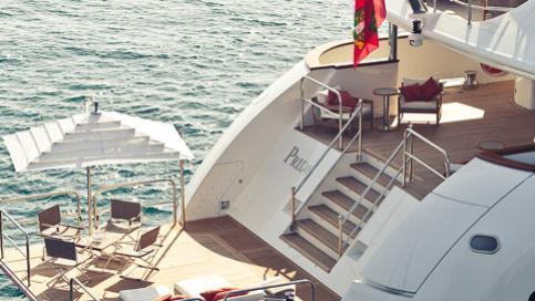 pride-yacht-beach-club