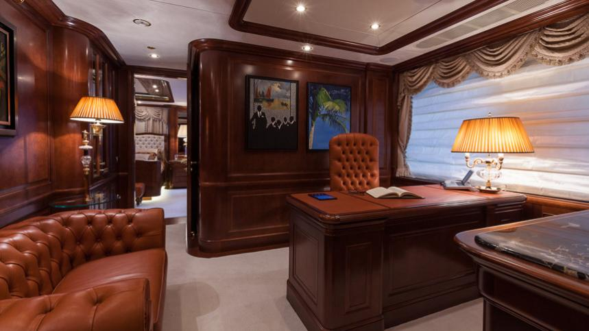 pride-yacht-master-office