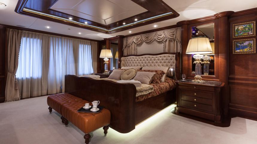 pride-yacht-master-cabin