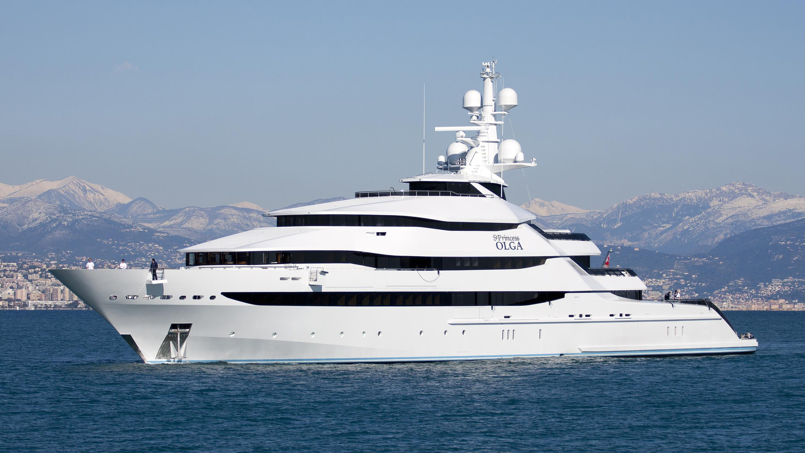 amore-vero-st-princess-olga-yacht-exterior