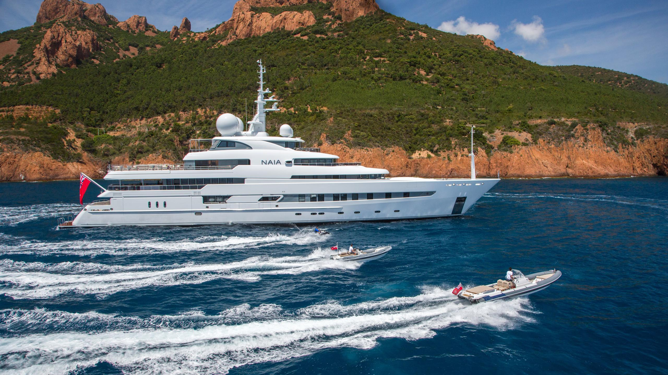 naia-yacht-for-charter-tenders-profile