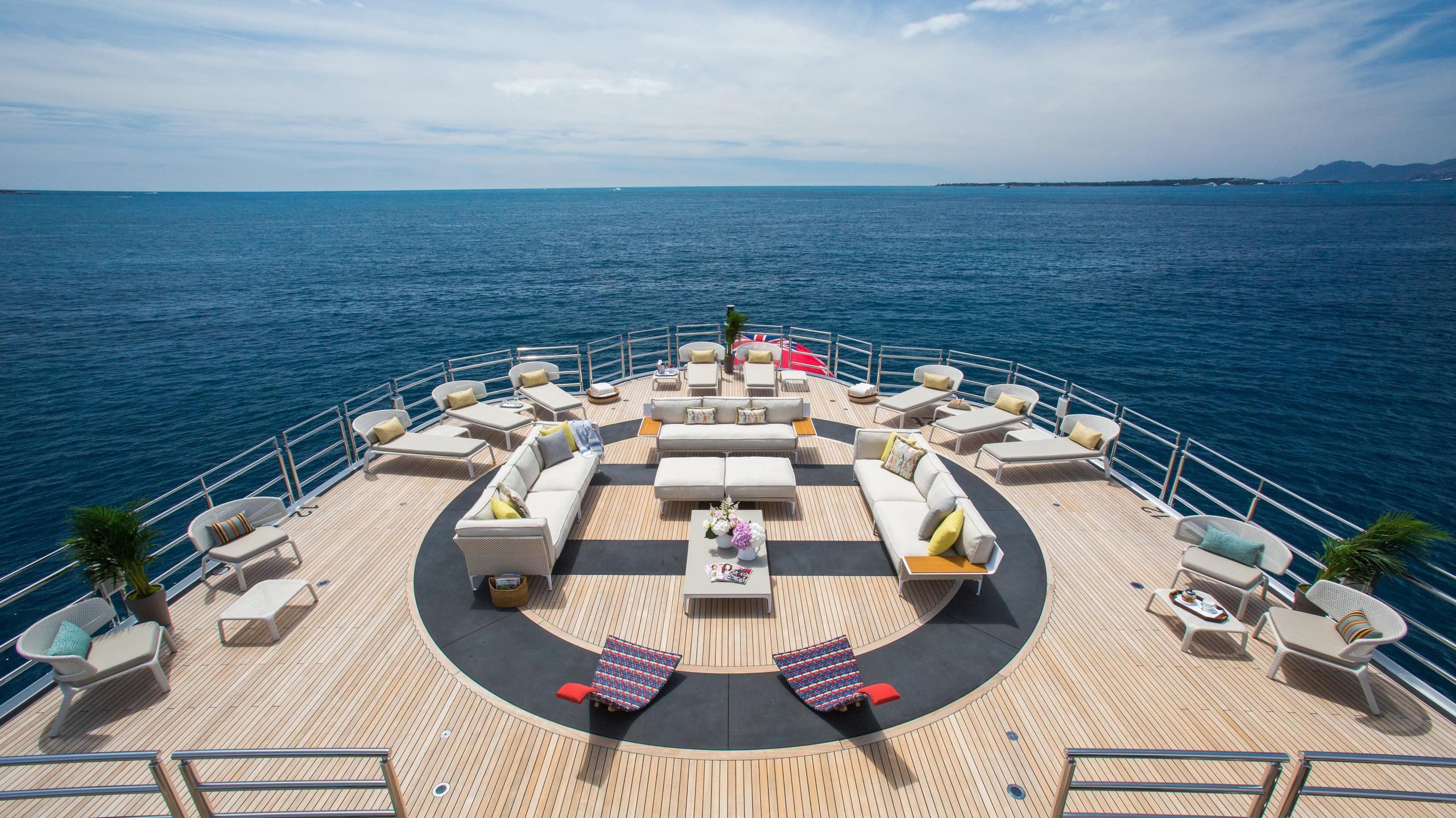 naia-yacht-sun-deck