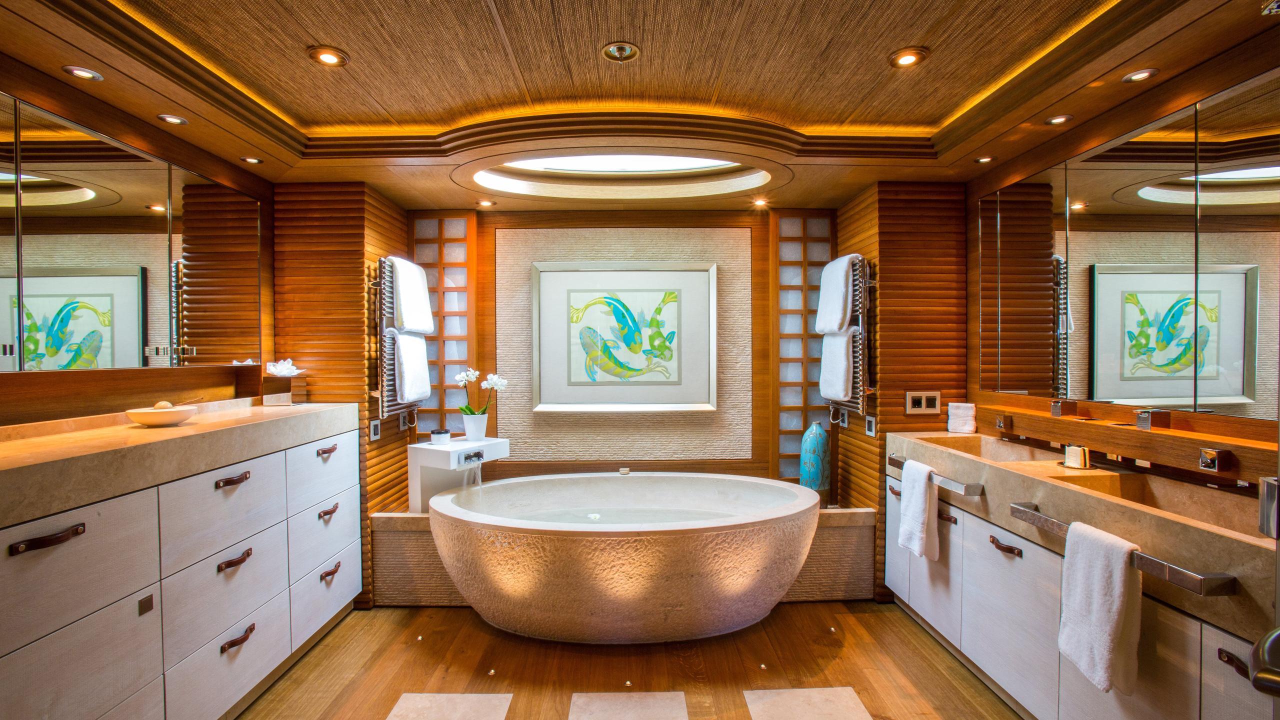 naia-yacht-master-bathroom