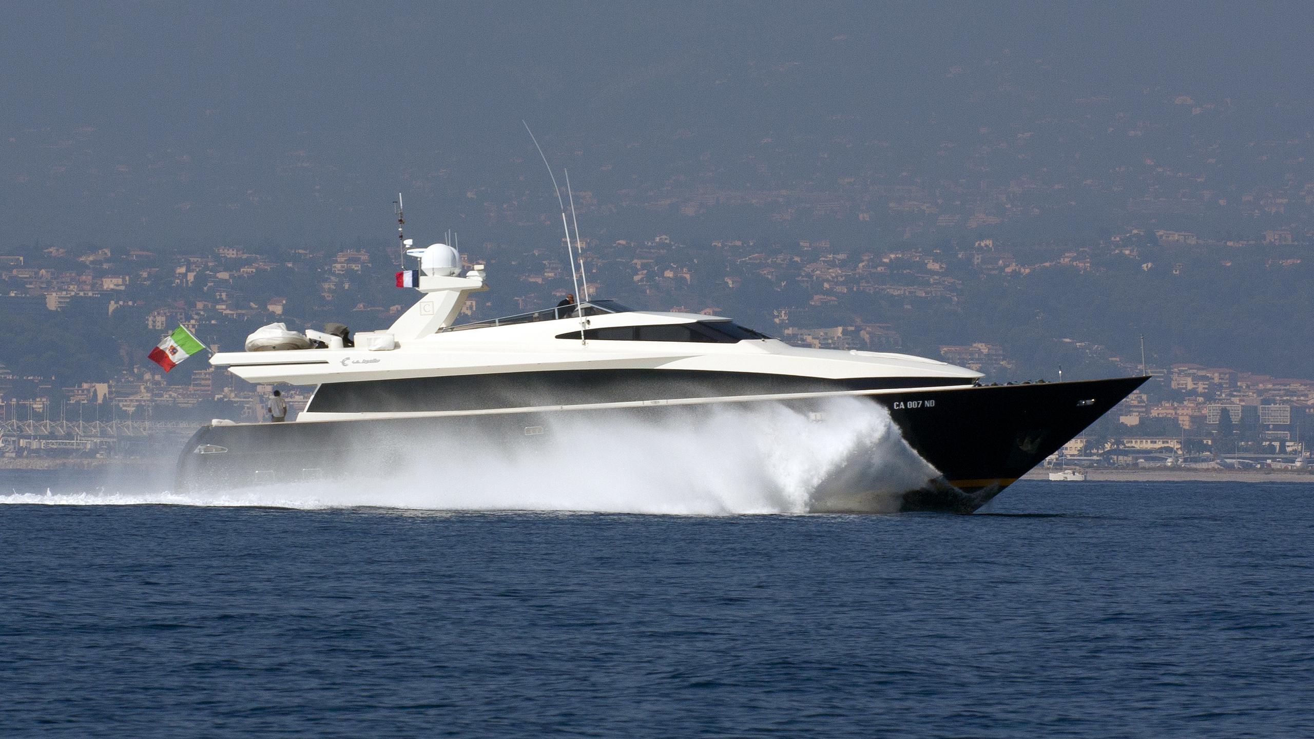 cappuccino-yacht-exterior