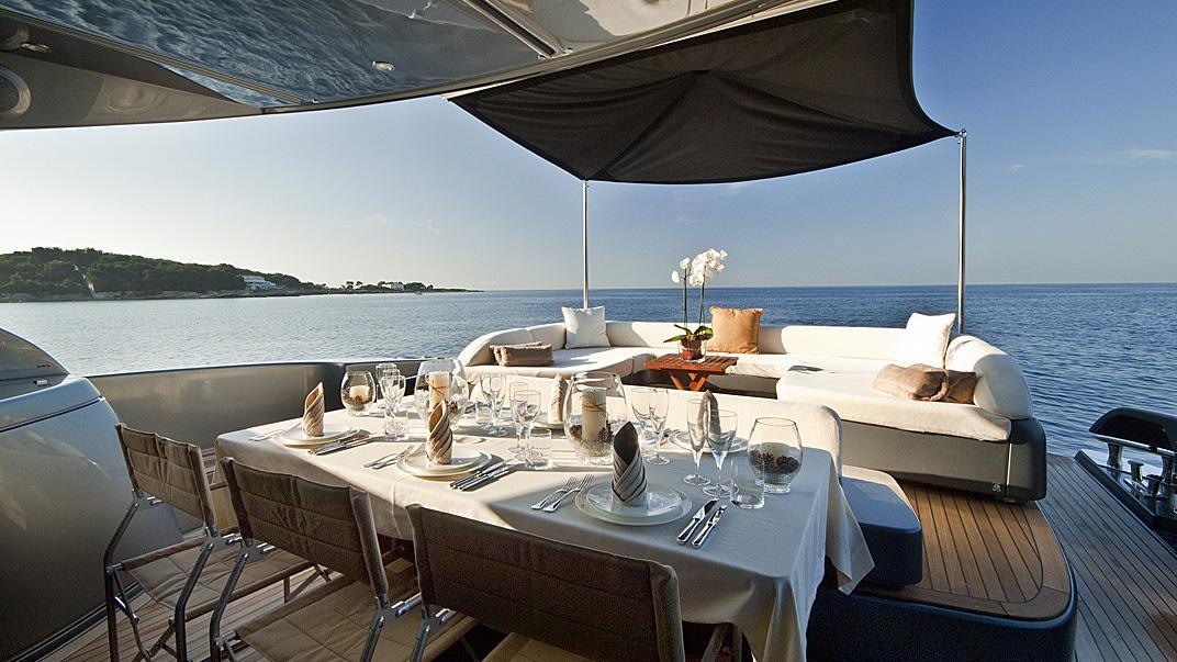 rhino-a-yacht-aft-dining
