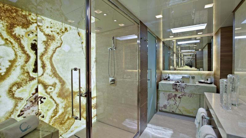 tesoro scorpion motoryacht sanlorenzo alloy 40m 2011 bathroom