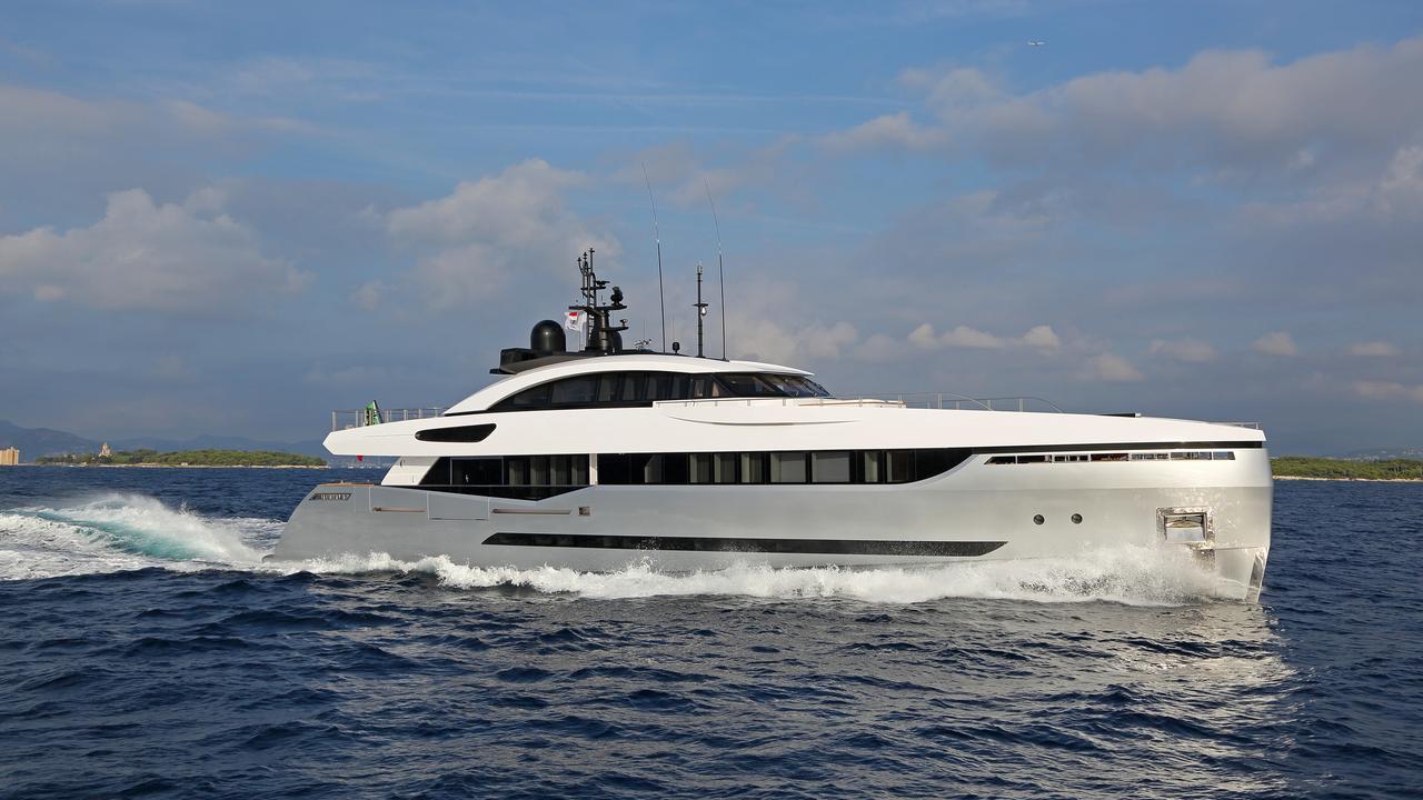 Luxury superyacht keyla interior by hot lab luxury yacht charter - Luxury Superyacht Keyla Interior By Hot Lab Luxury Yacht Charter 47