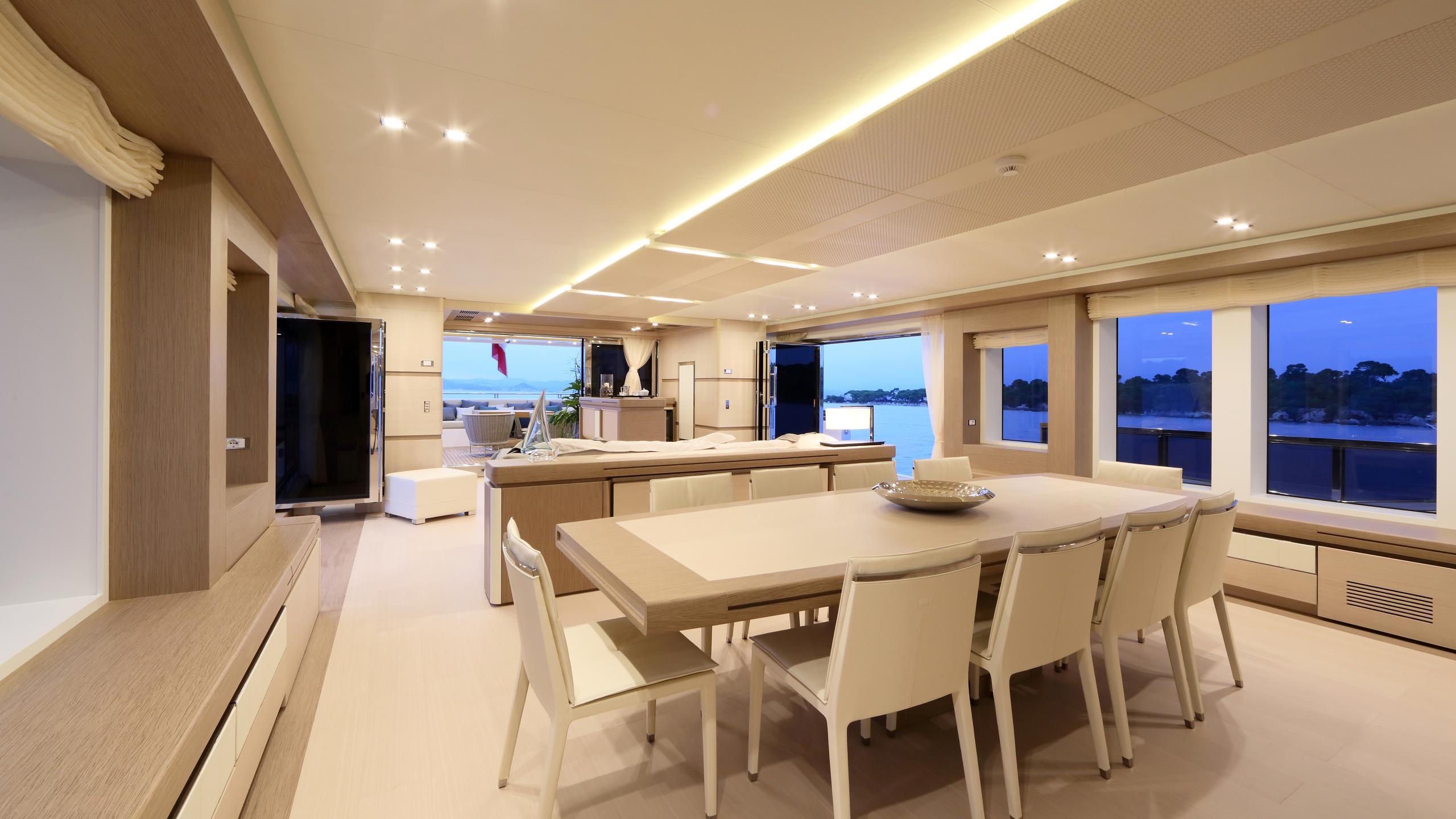columbus-40S-hybrid-yacht-formal-dining