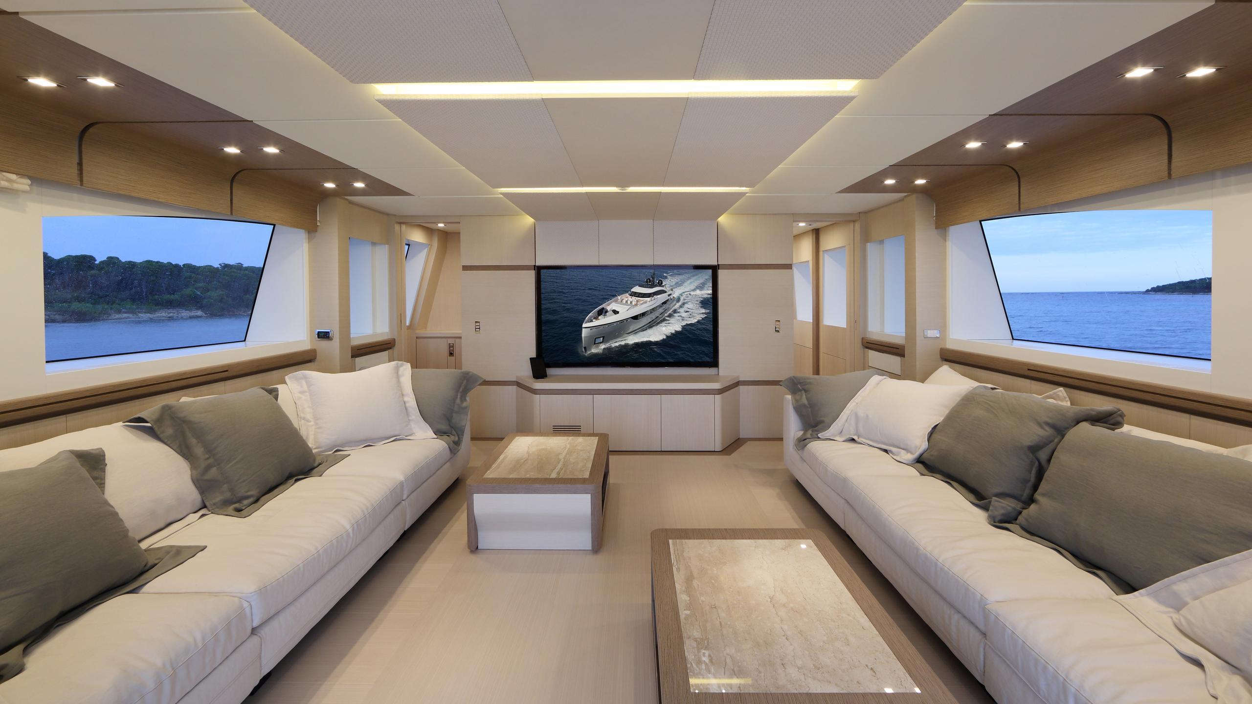 columbus-40S-hybrid-yacht-lounge