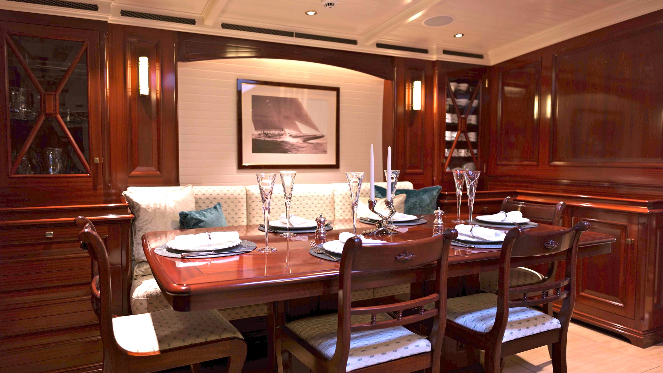 Rainbow-yacht-formal-dining