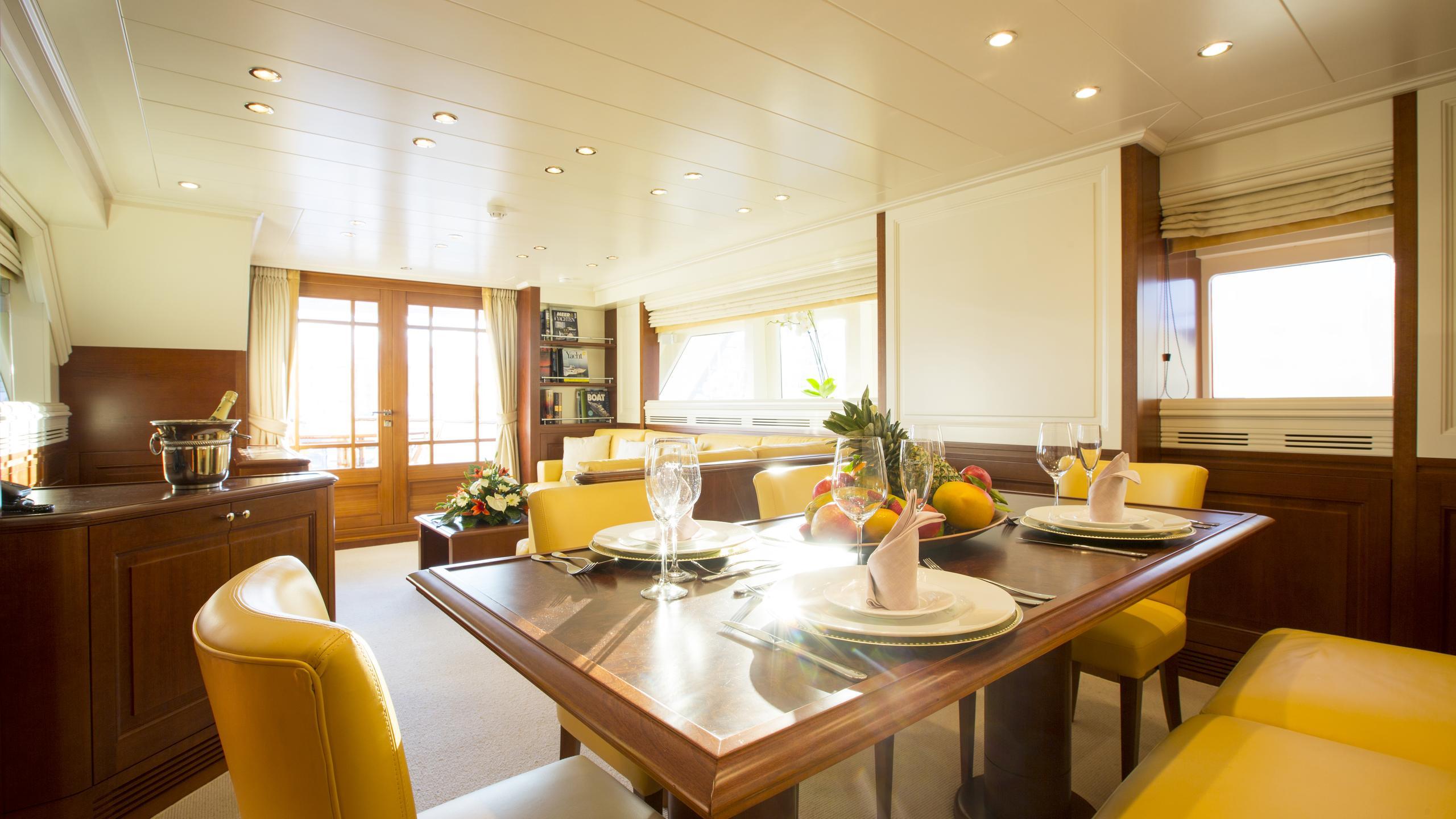 alexander-k-yacht-formal-dining