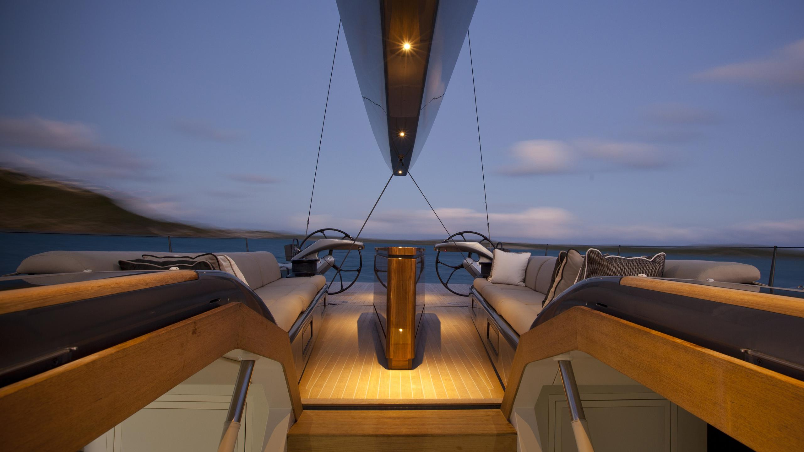 aegir-yacht-aft-dining