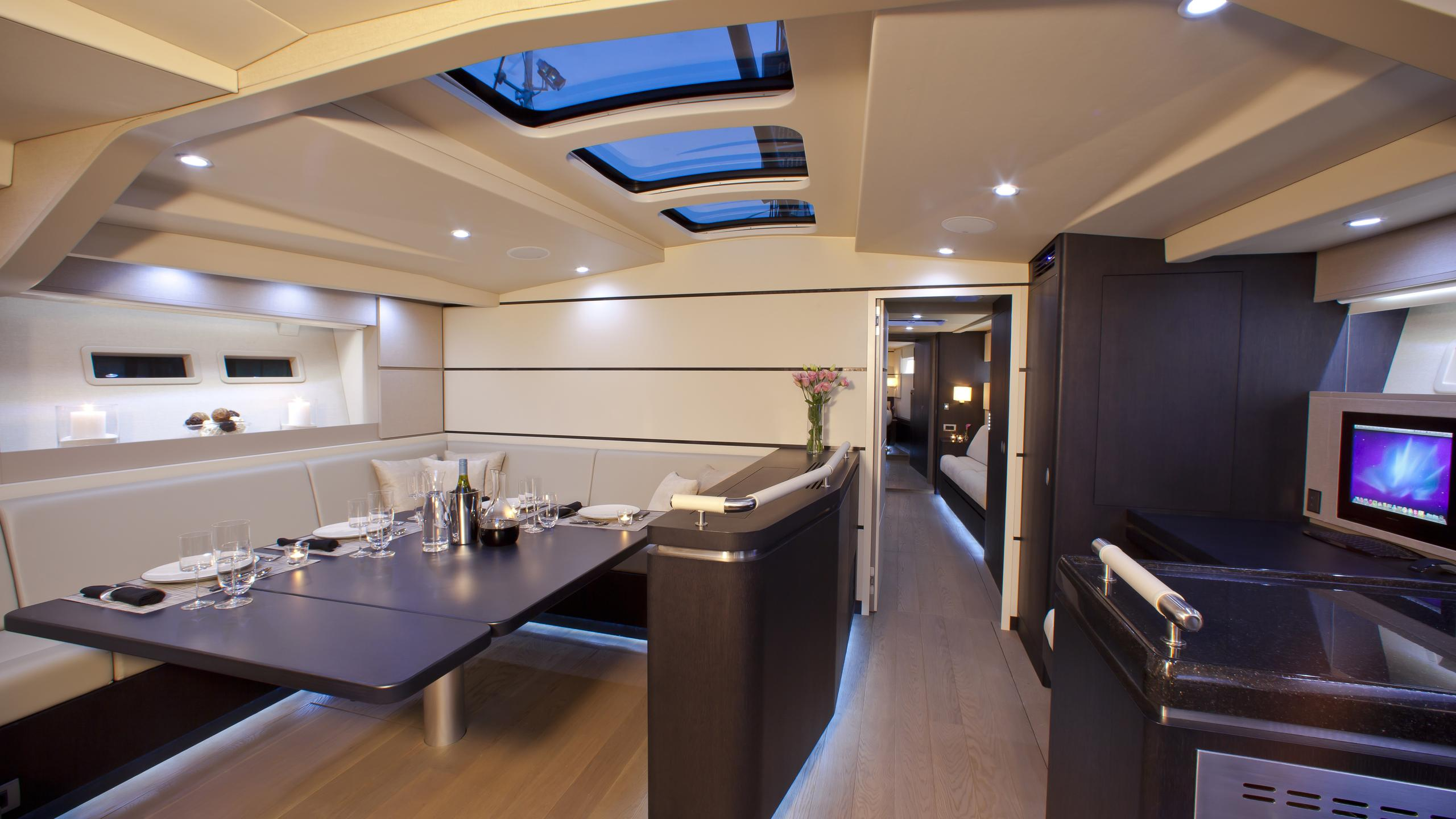 aegir-yacht-saloon