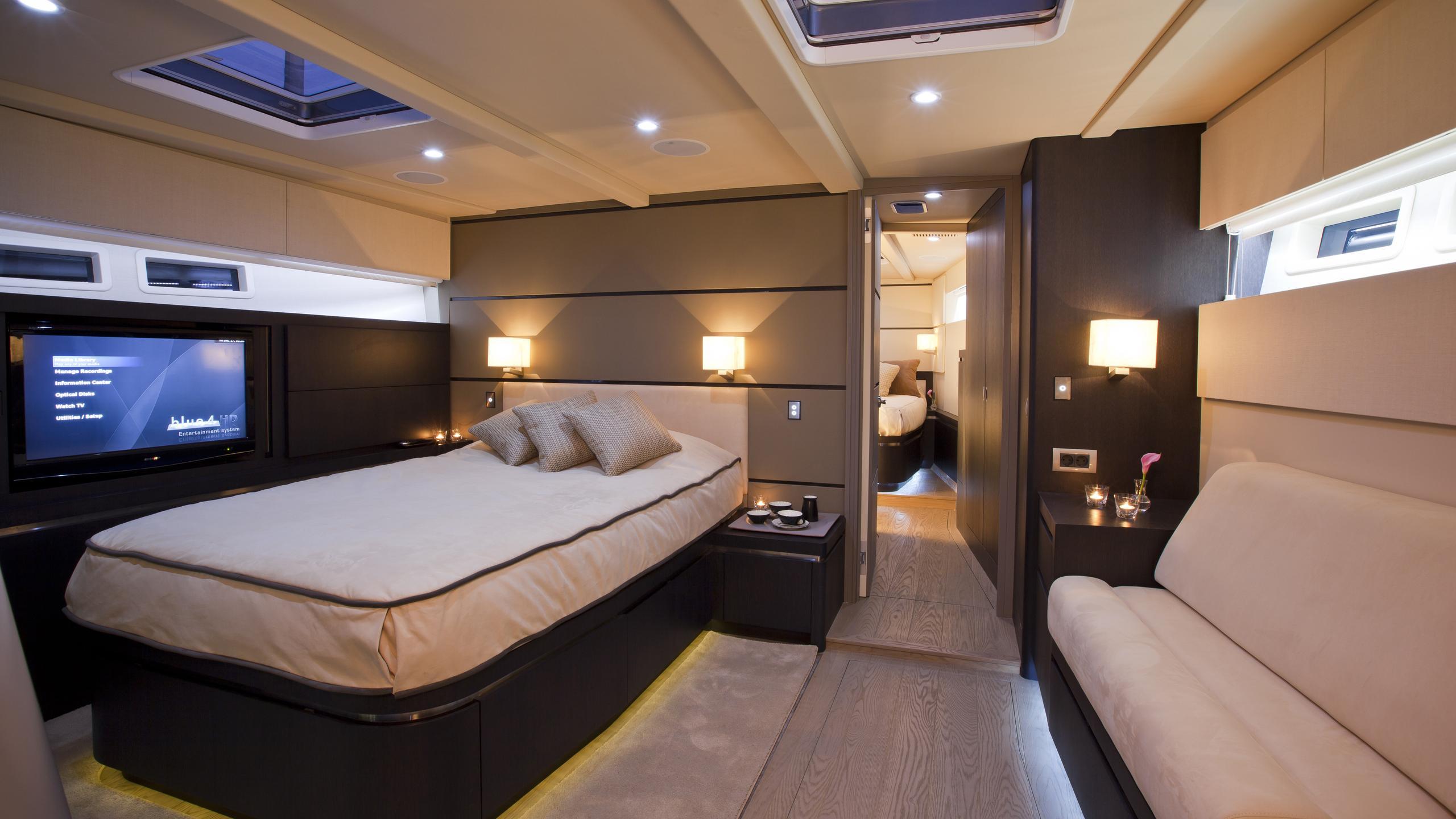 aegir-yacht-master-cabin