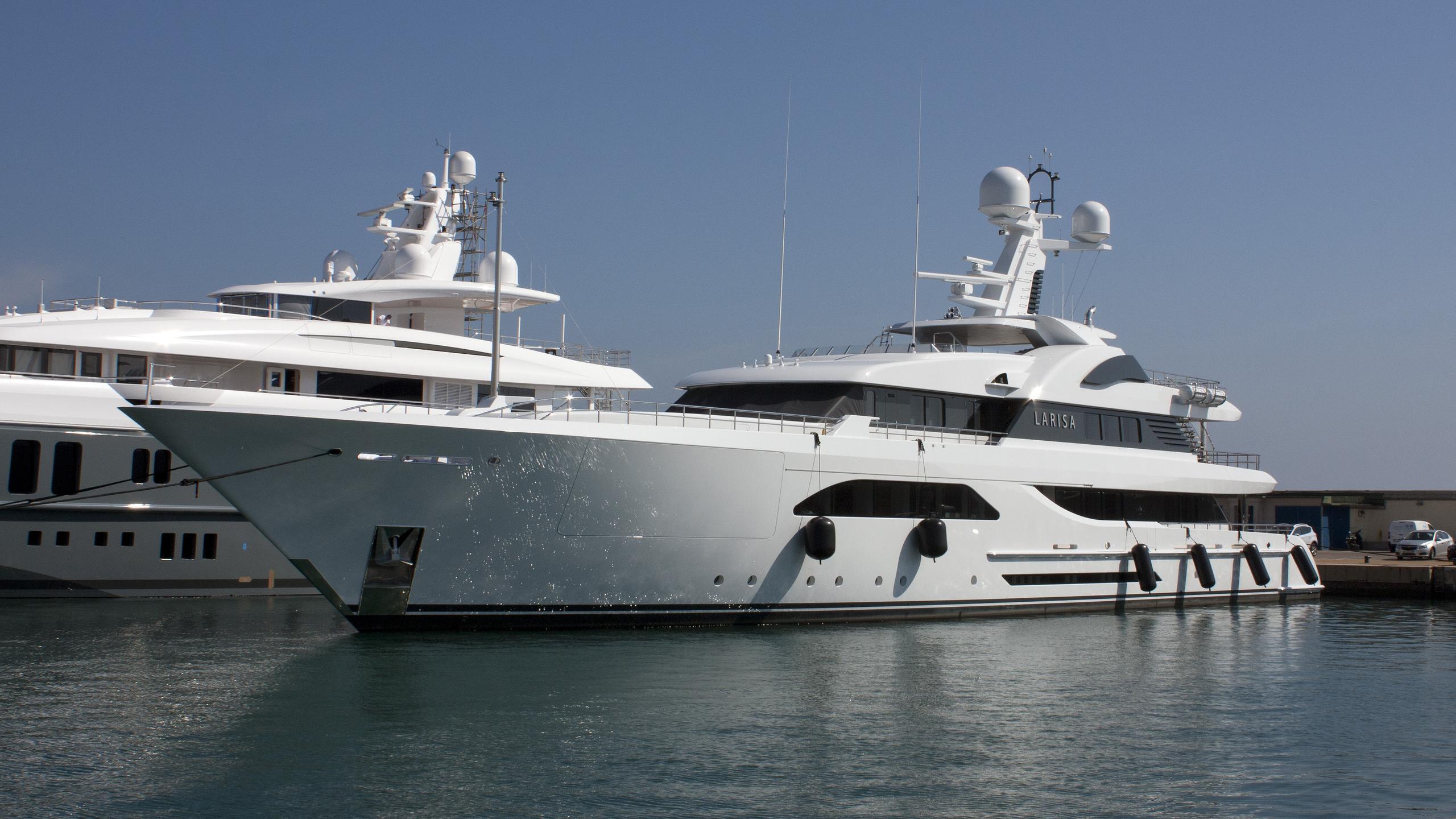 larisa-yacht-exterior