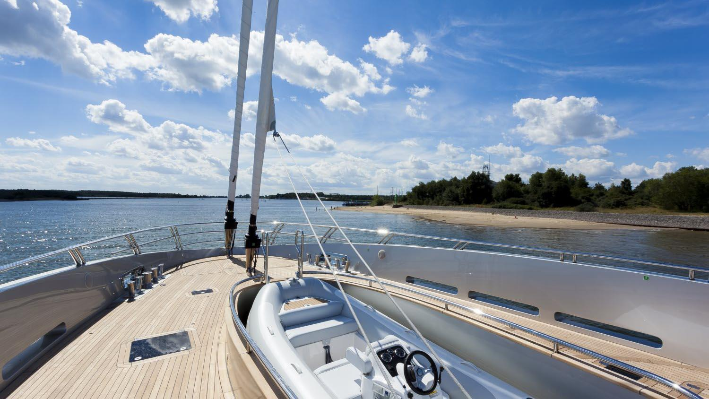 conrad-115-yacht-tender