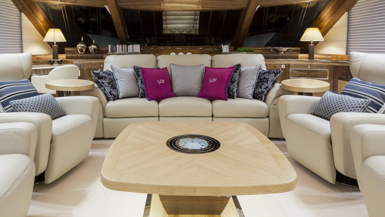 conrad-115-yacht-lounge