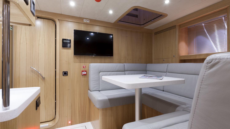 conrad-115-yacht-crew-saloon