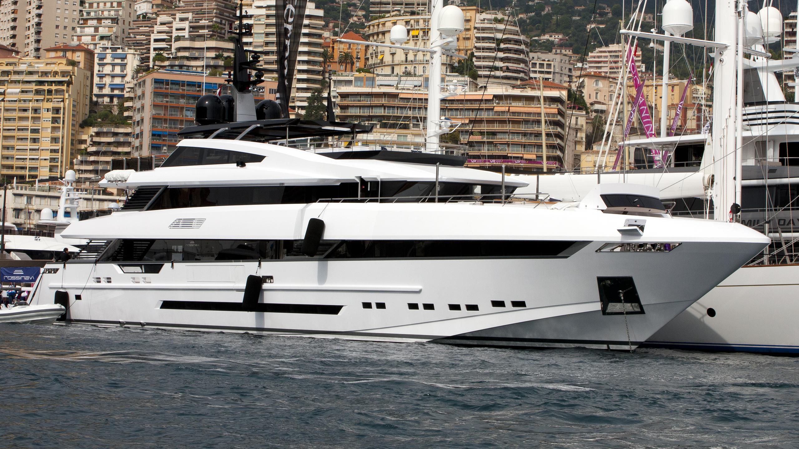param-jamuna-iv-yacht-exterior