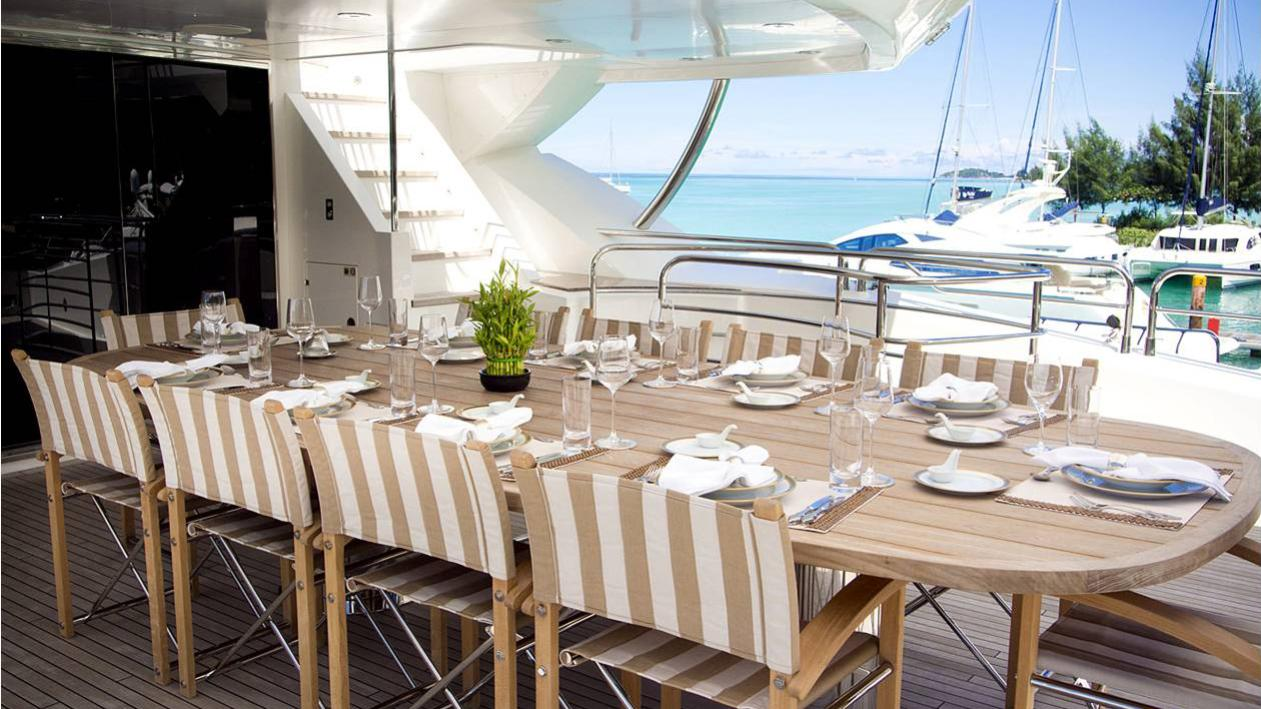 princess-k-yacht-aft-dining
