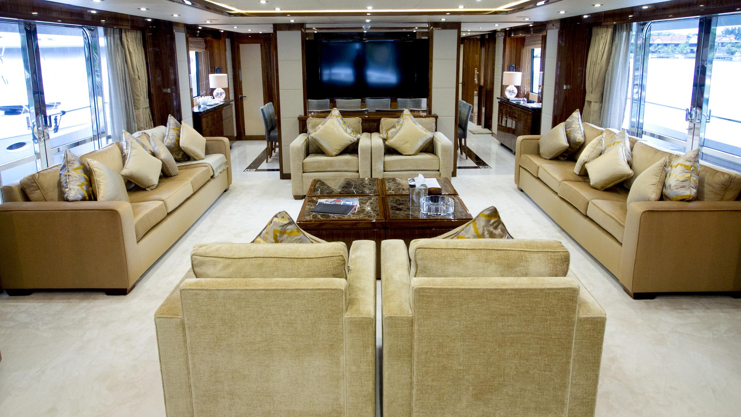 princess-k-yacht-saloon