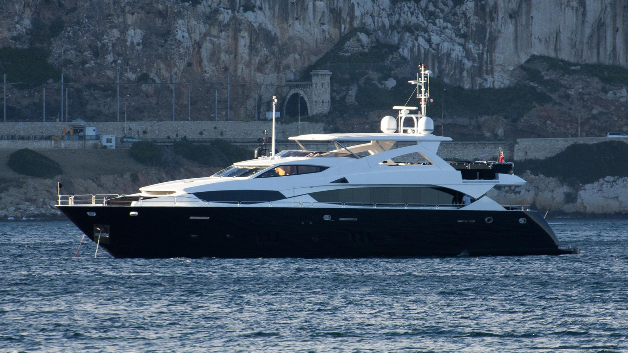 black-and-white-yacht-exterior